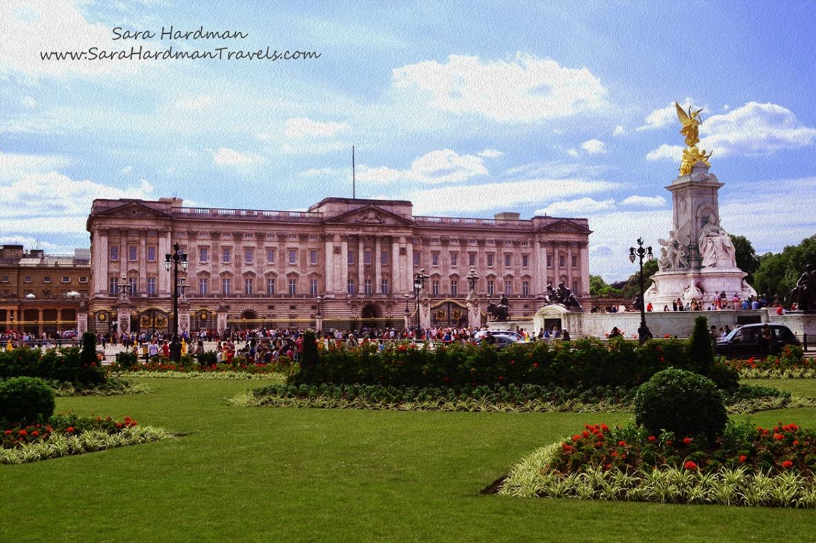 Buckingham Palace by Sara Hardman